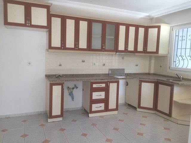 Muğla ili Fethiye ilçesi Taşyaka mevkiinde sahibinden kiralık daire. 3+1 ve birinci kattır. Fethiye'de kiralık ev arayanlar için önerdiğimiz bu dairenin kirası 800 TL'dir.