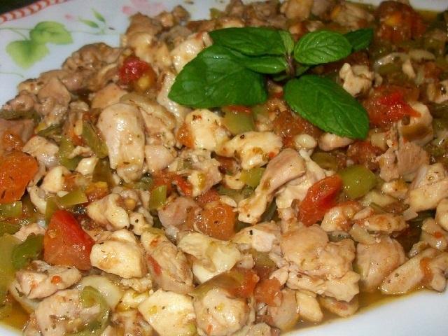 Ev yapımı tavuk kokoreç tarifi ile değişik ve lezzetli bir yemek yapmak ister misiniz?
