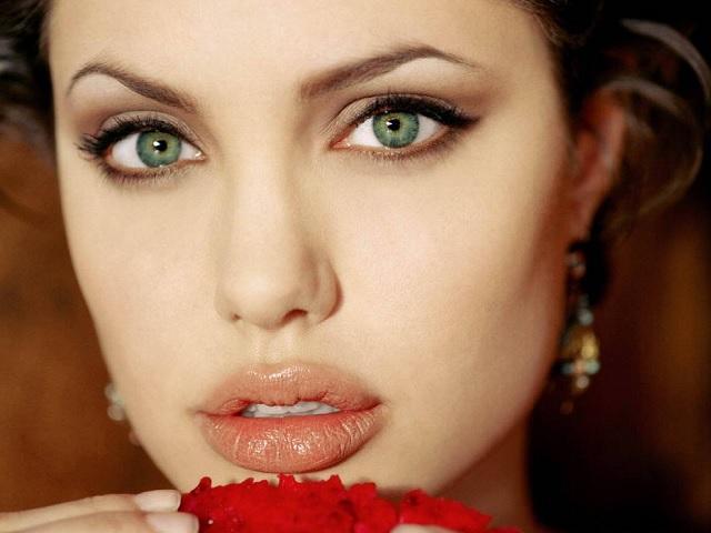 cilt tiplerine göre yeşil göz rengi için uygun saç renkleri nelerdir? Sayfamızda!